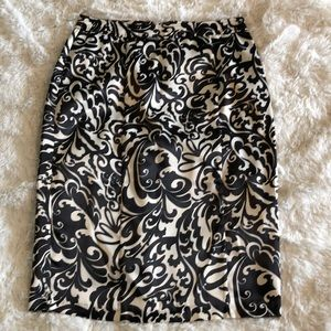 WD-NY Black and White Floral Skirt  Medium